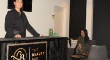 Geerlinde (l) en Anne (R) gaan samen met Basma en Janet verder als The Beauty Bar