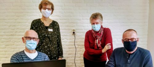 Vrijwilligers Abel (l) en Willem (r), midden Henny (l) en Jaqueline (r)
